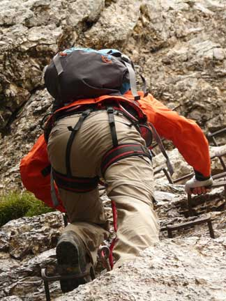Gear Up: How To Choose the Best Tactical Pants For Survival